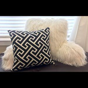 2 pillows